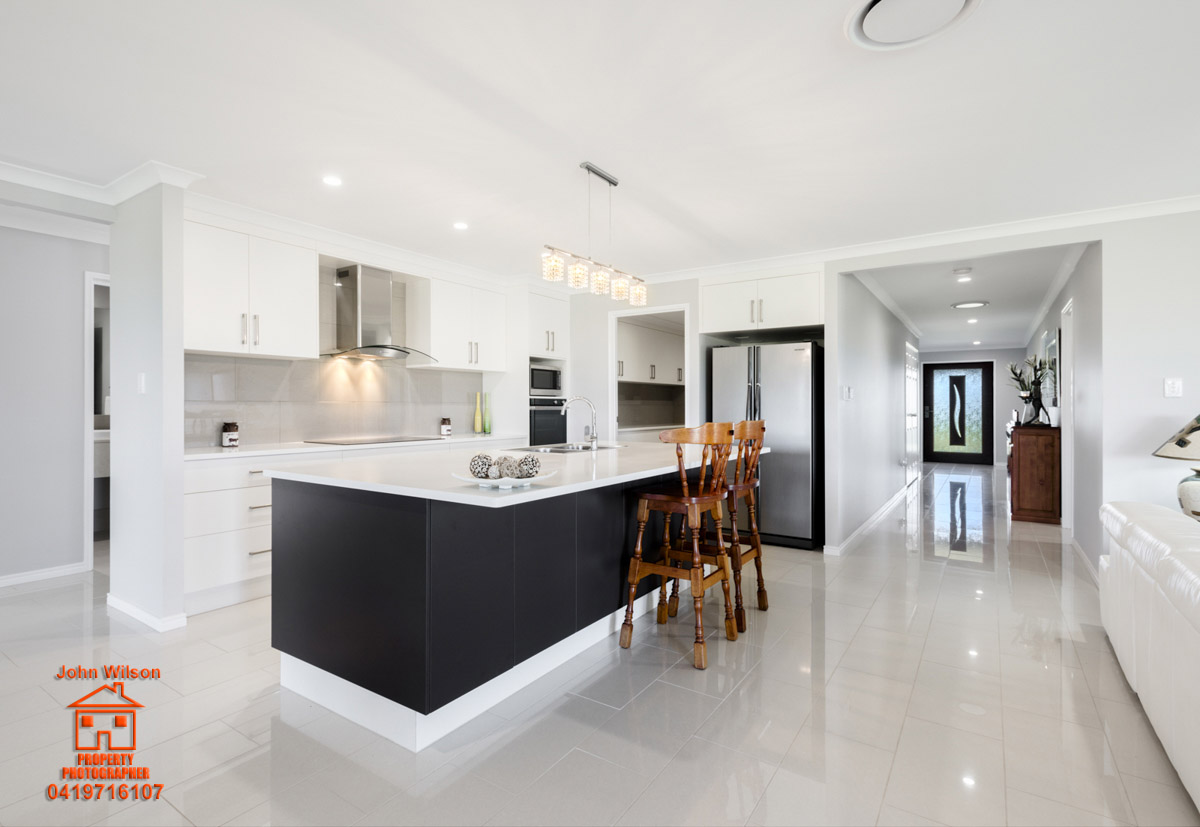 7 Serena Crt Biloela Qld 4715 - Quality home for sale - Best presented house in region.