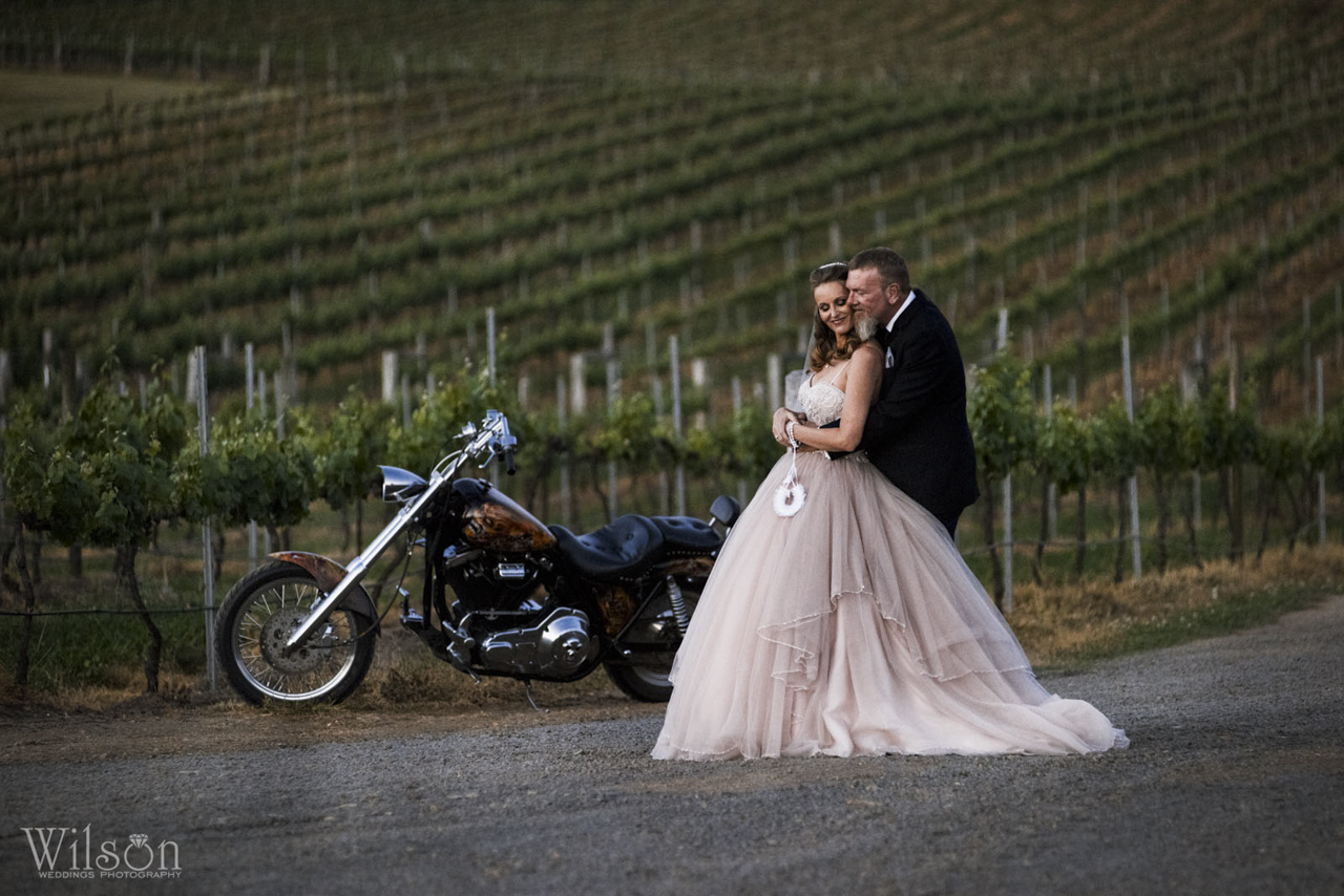 Rural Wedding - Dusty Hill Vineyard